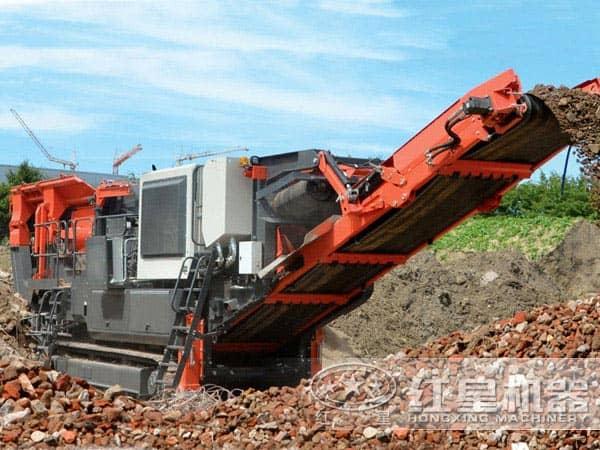 建筑垃圾移动破碎机生产现场