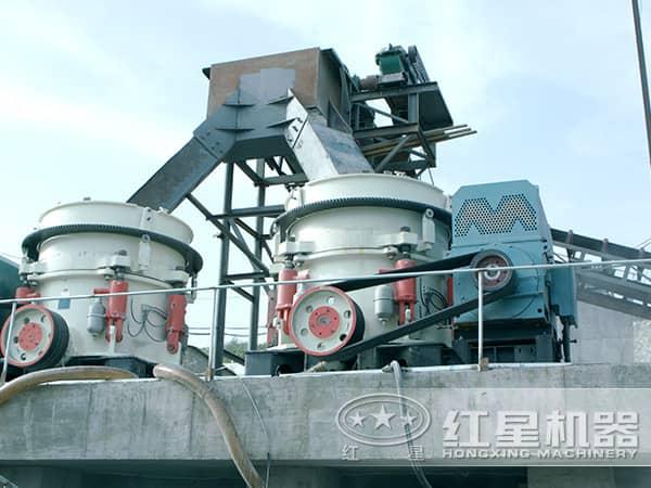 多缸液压圆锥破碎机生产现场