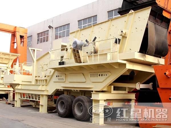 移动大型车载碎石机高清图