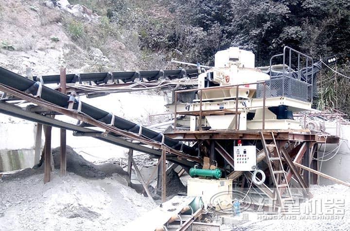 石头制砂机作业现场